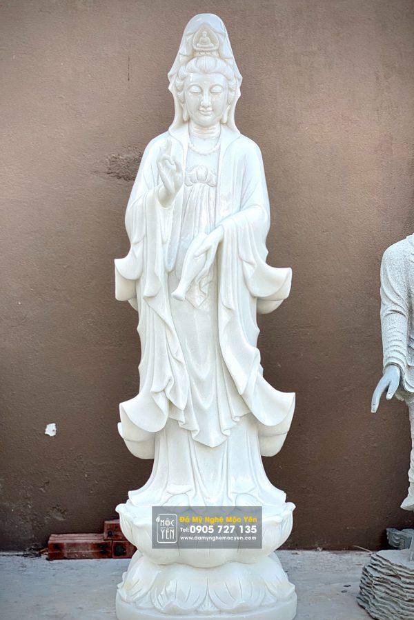 Tôn Tượng Phật Quan Âm được chế tác trên nền đá Cẩm Thạch Trắng Nguyên Khối, Cao 1m5